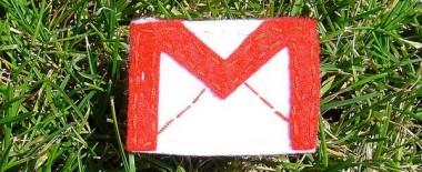 Gmailの右側に表示される送受信者情報を非表示にする方法