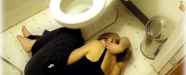 スマホが普及してからトイレの個室が塞がってる確率が絶対高まったと思うんですが皆スマホ触ってんだろ!