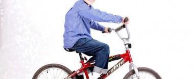自転車に乗れるようになったのが小学4年生(10歳)だったけど遅すぎなの?